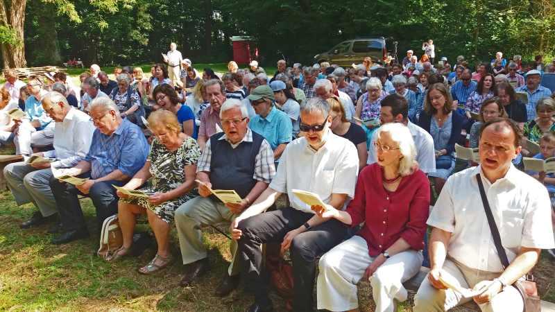 Treffpunkt Altenberg: über 300 Besucher bei Open-Air-Gottesdienst